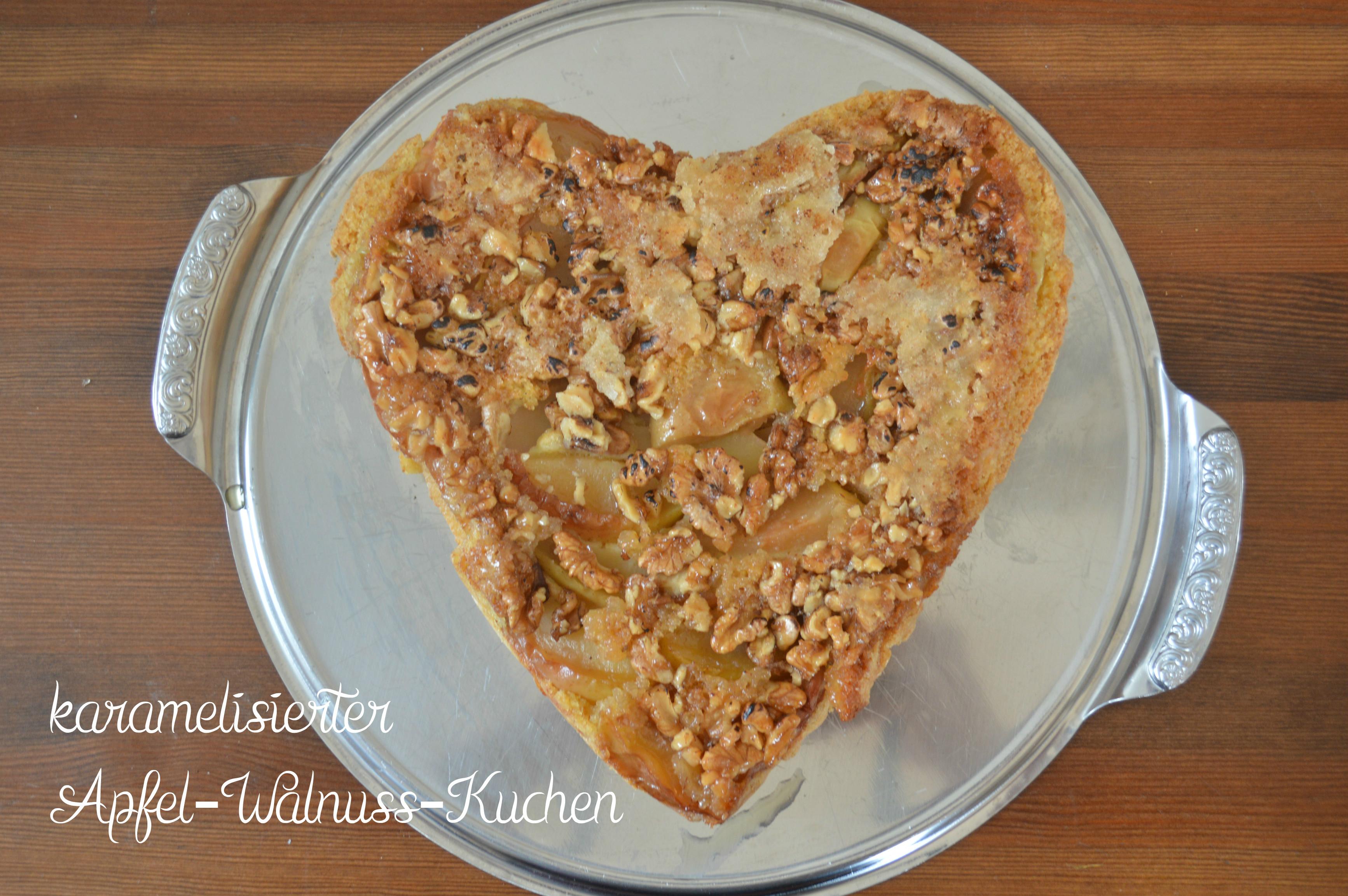 Sonntagssuss Karamellisierter Apfel Walnuss Kuchen